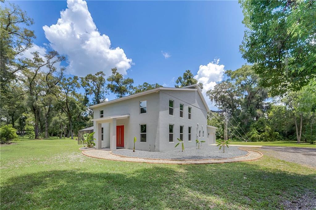 225 S RIDGEWOOD AVE Property Photo - DELAND, FL real estate listing