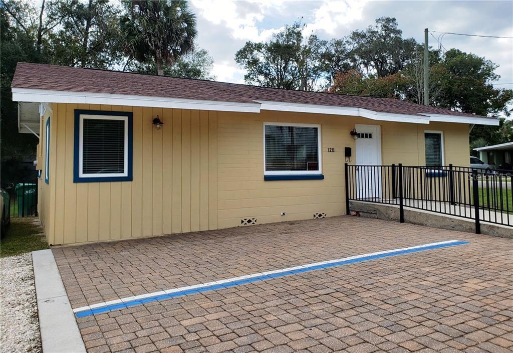 128 W University Avenue Property Photo