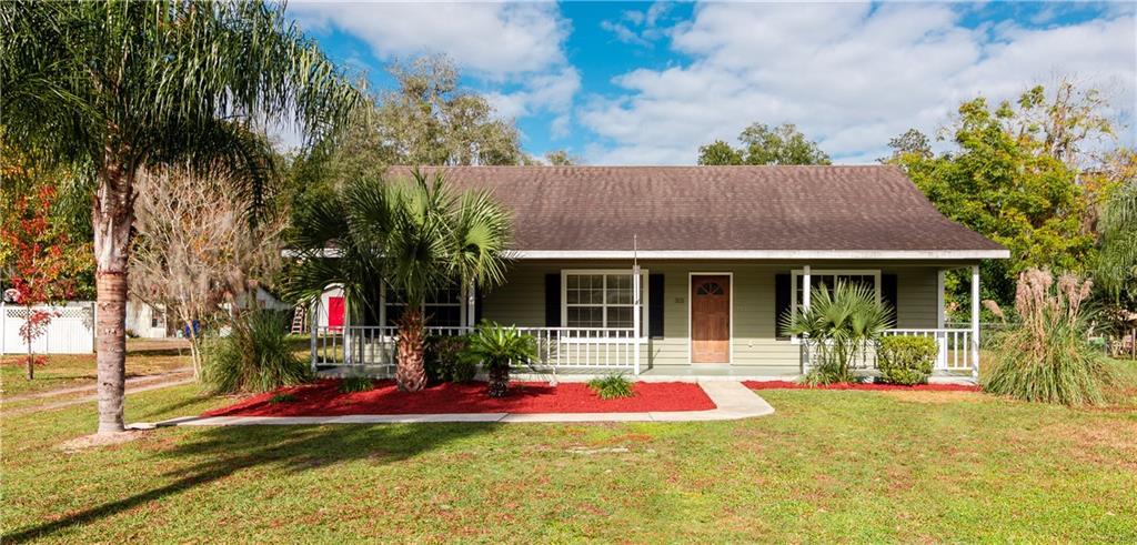 325 W RETTA STREET Property Photo - DE LEON SPRINGS, FL real estate listing