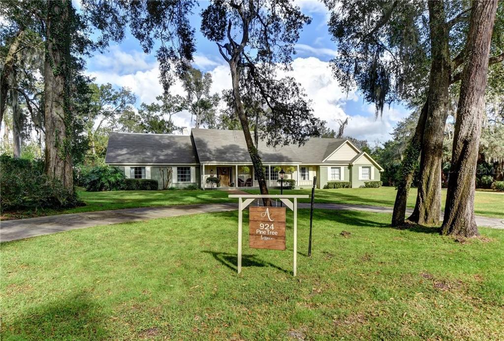 924 Pine Tree Terrace Property Photo