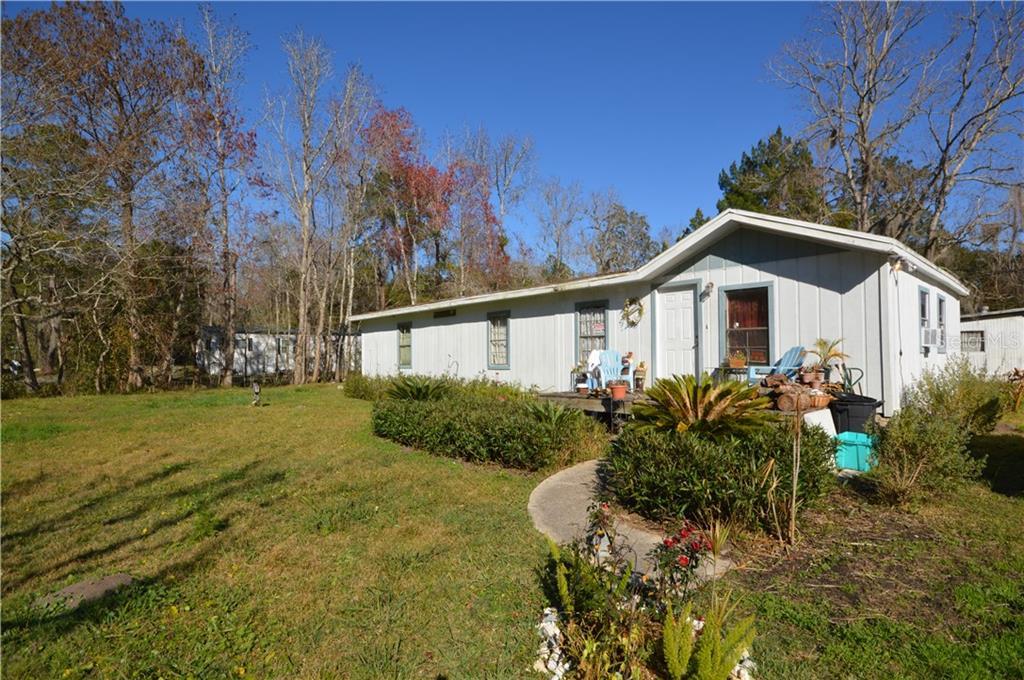 140 ISLANDER Property Photo - SATSUMA, FL real estate listing