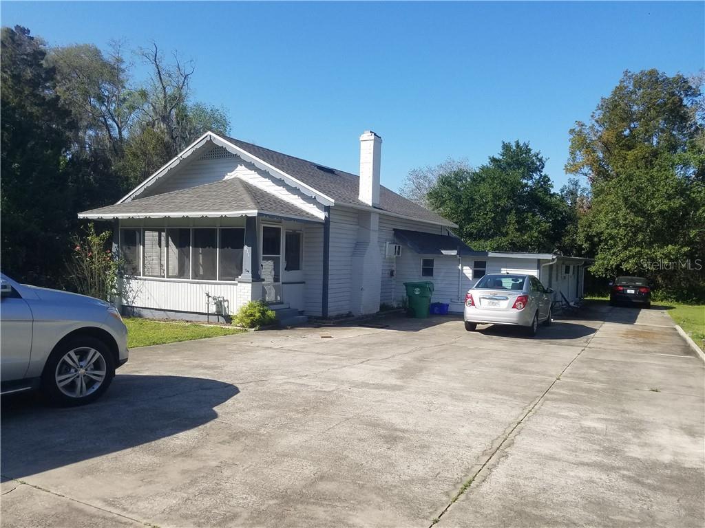 611 E Plymouth Avenue Property Photo