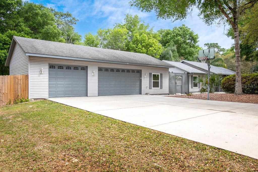 1150 BROADWAY AVENUE Property Photo - ORANGE CITY, FL real estate listing