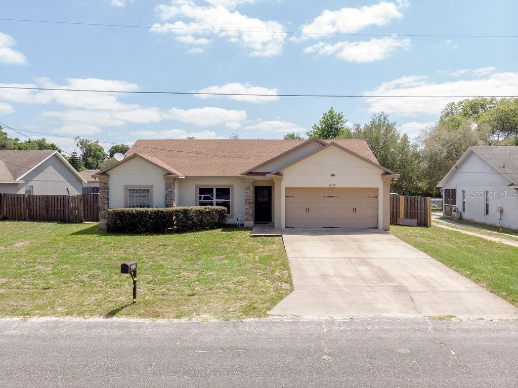 637 Cass Street Property Photo