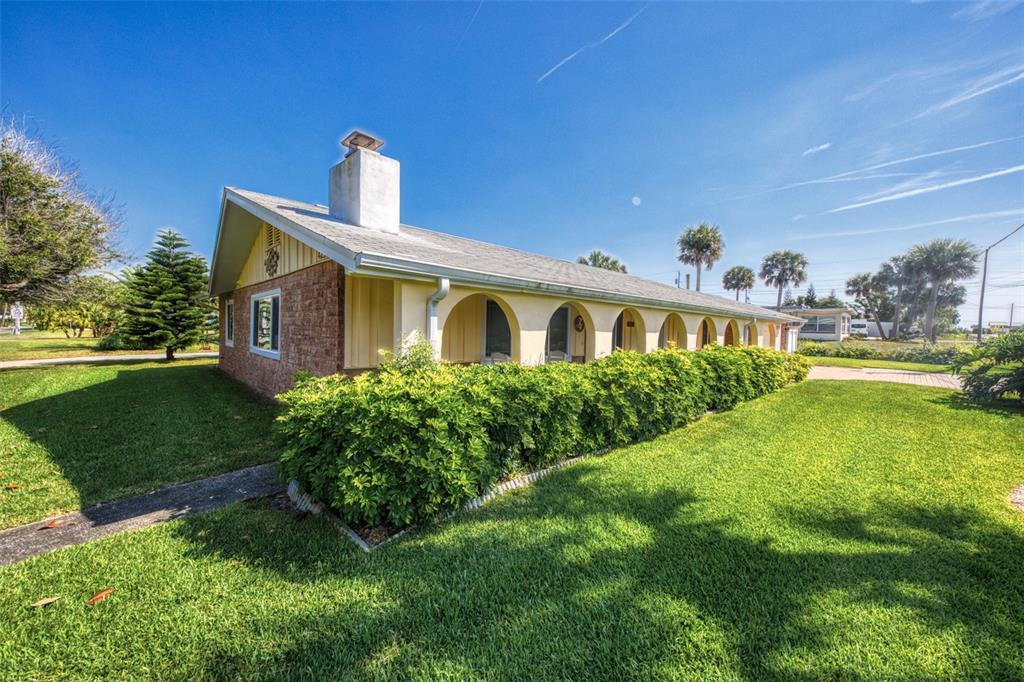 4255 S Peninsula Drive Property Photo 1