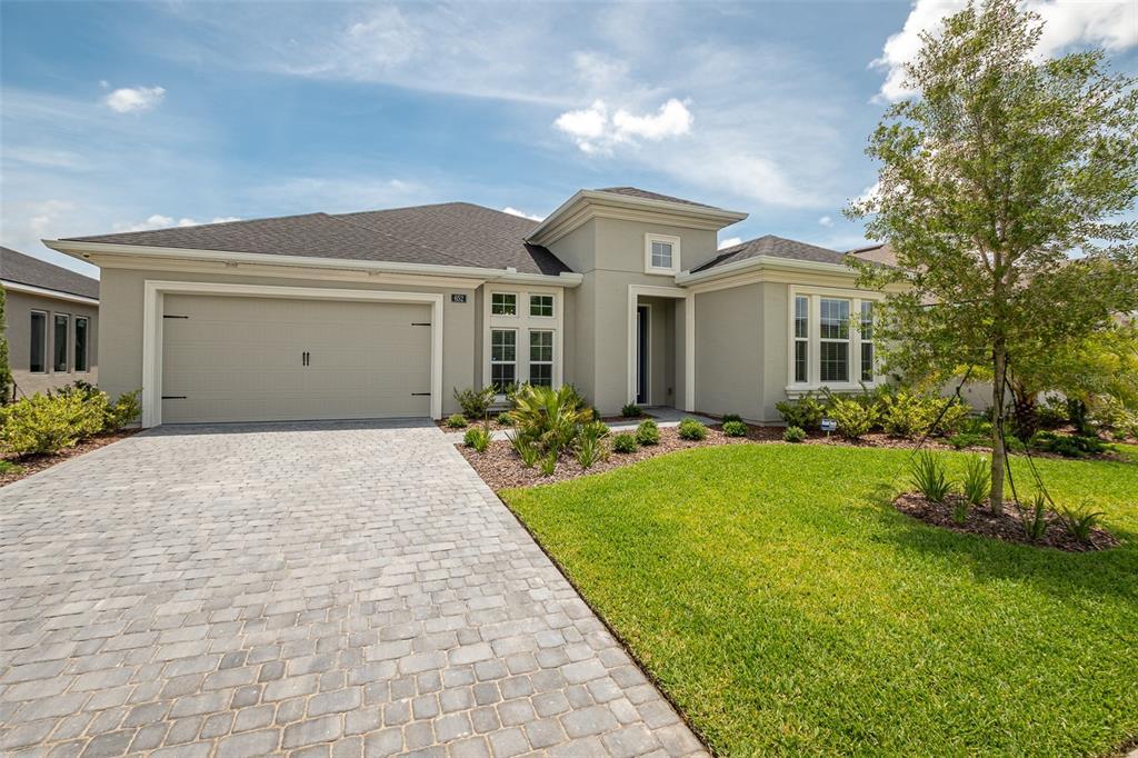 652 Mosaic Boulevard Property Photo