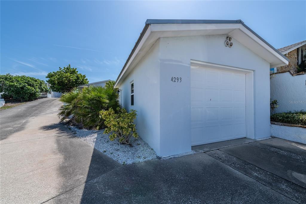 4293 S Atlantic Avenue Property Photo