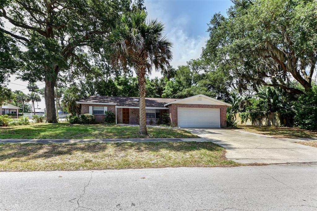 315 Slayton Avenue Property Photo