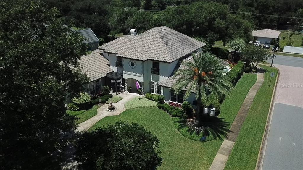 1741 Lake Grove Ln Property Photo