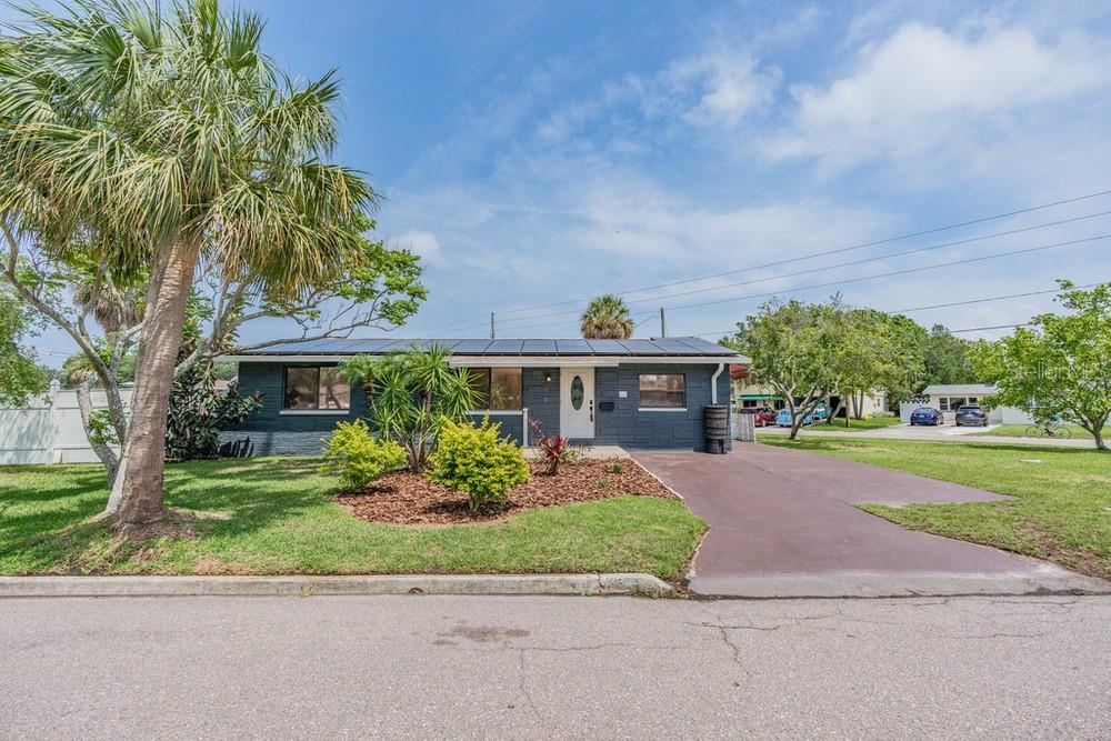 3711 HUNTINGTON ST NE Property Photo - SAINT PETERSBURG, FL real estate listing