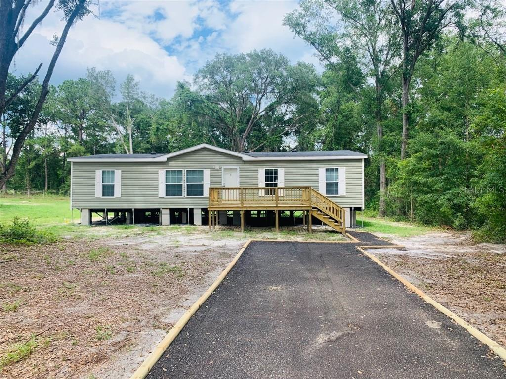 212 NW WHITNEY GLN Property Photo - LAKE CITY, FL real estate listing