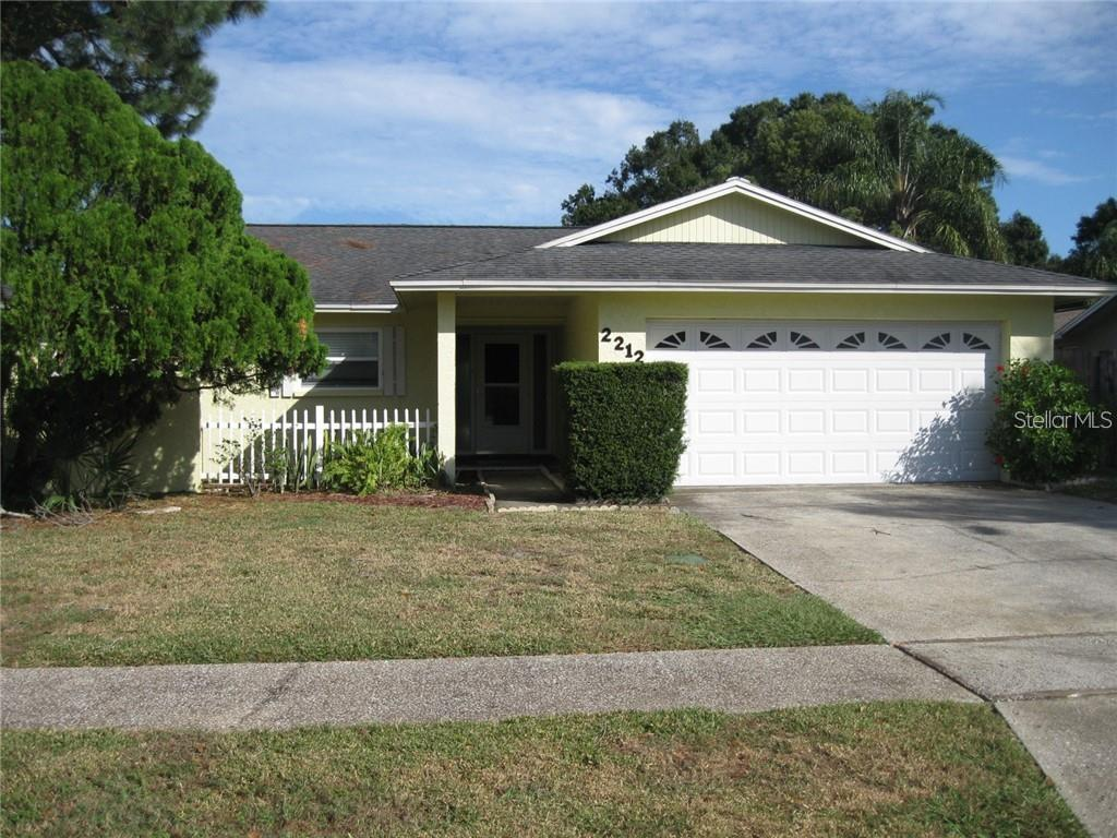 2212 WHITE OAK CIRCLE Property Photo - CLEARWATER, FL real estate listing