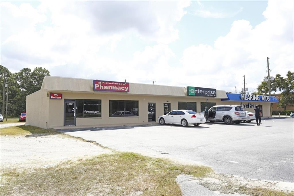 4142 COMMERCIAL WAY Property Photo
