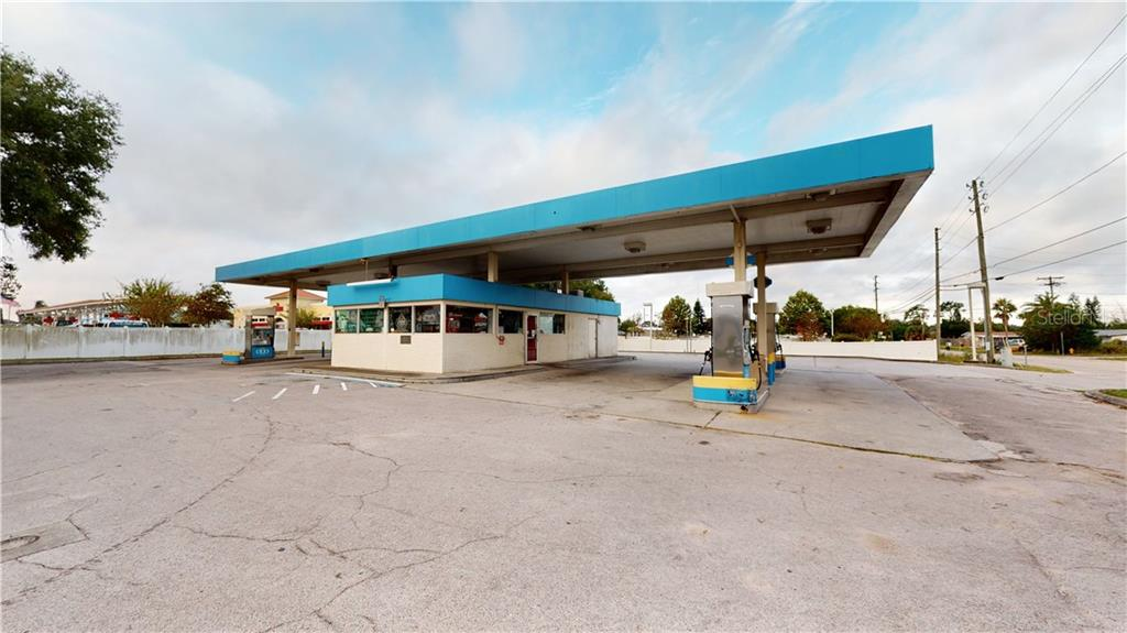 1937 US HIGHWAY 19 ROAD N Property Photo - HOLIDAY, FL real estate listing