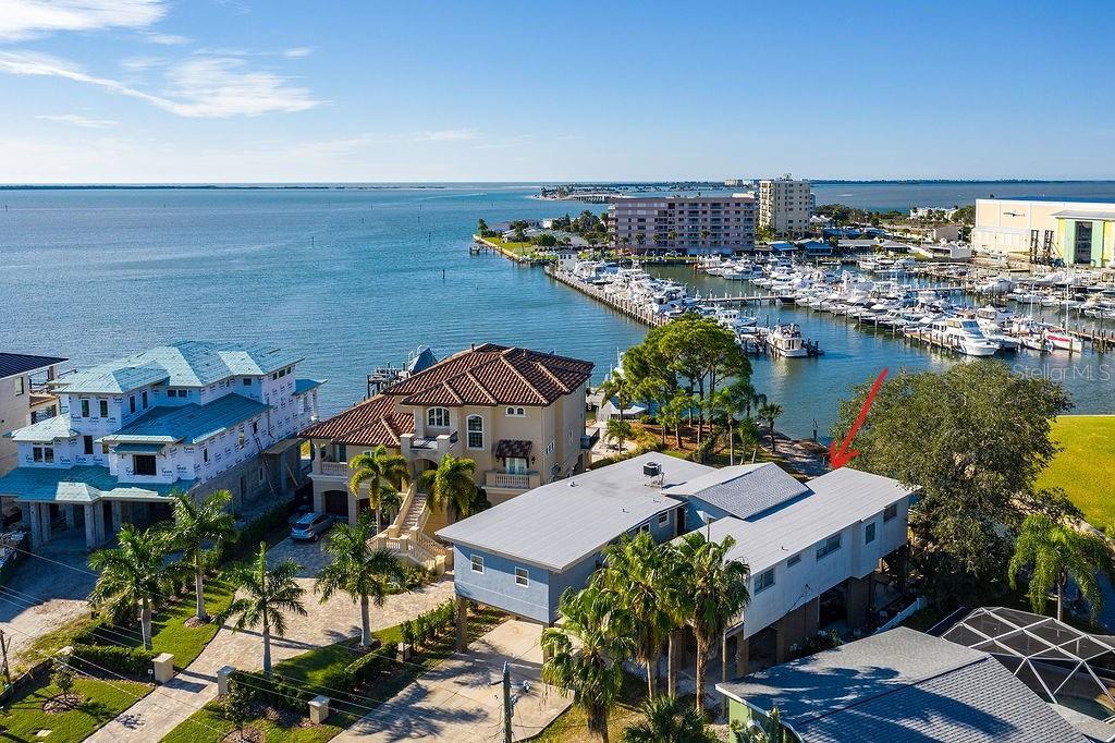 532 BAYWOOD DRIVE N Property Photo - DUNEDIN, FL real estate listing