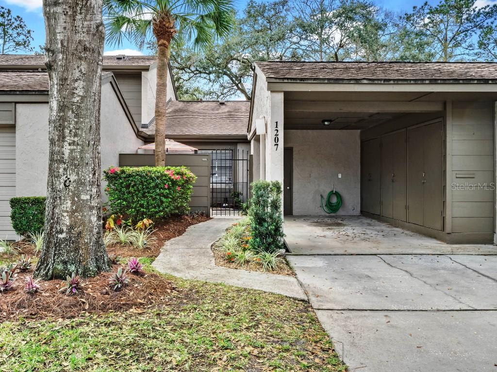 1207 WINTERBERRY LANE Property Photo - FERN PARK, FL real estate listing