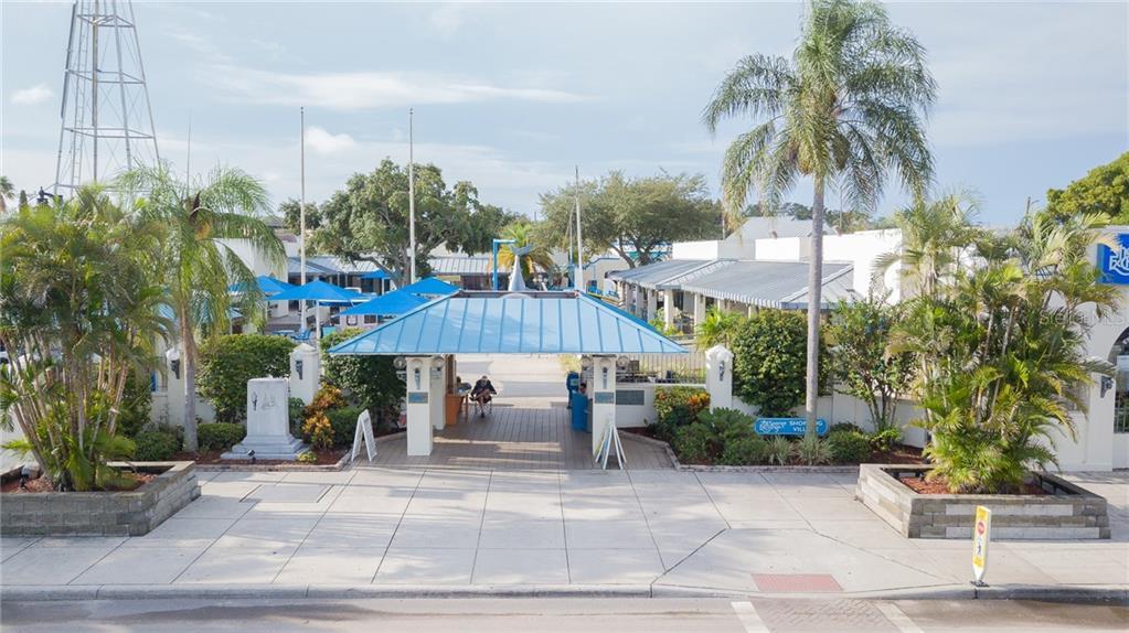 735 DODECANESE BOULEVARD Property Photo - TARPON SPRINGS, FL real estate listing