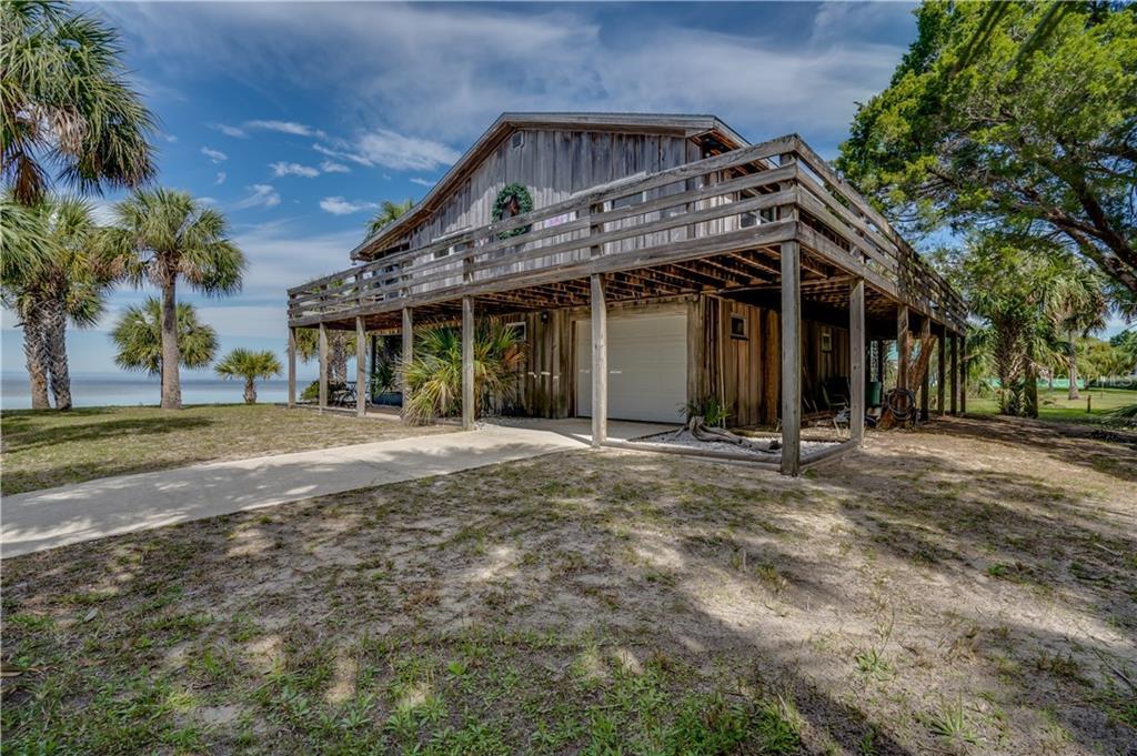 3461 GUM DRIVE Property Photo - WEEKI WACHEE, FL real estate listing