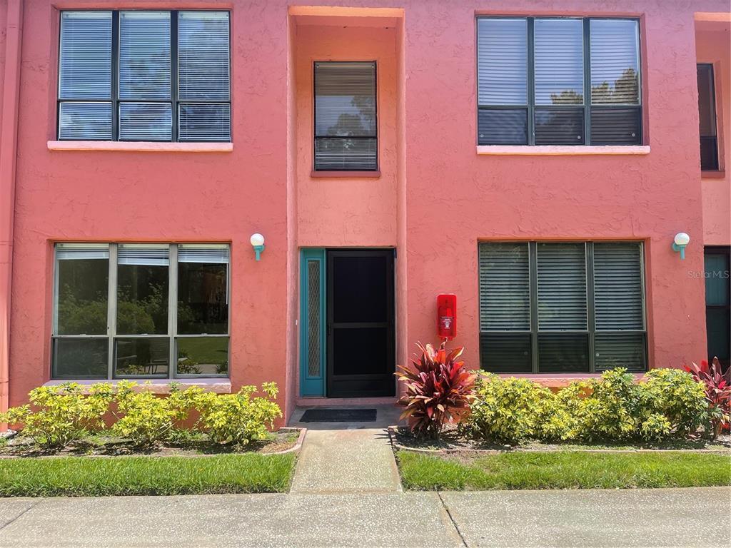 W7833247 Property Photo