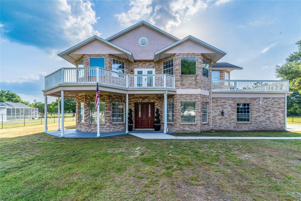 736 W Deer Lake Drive Property Photo