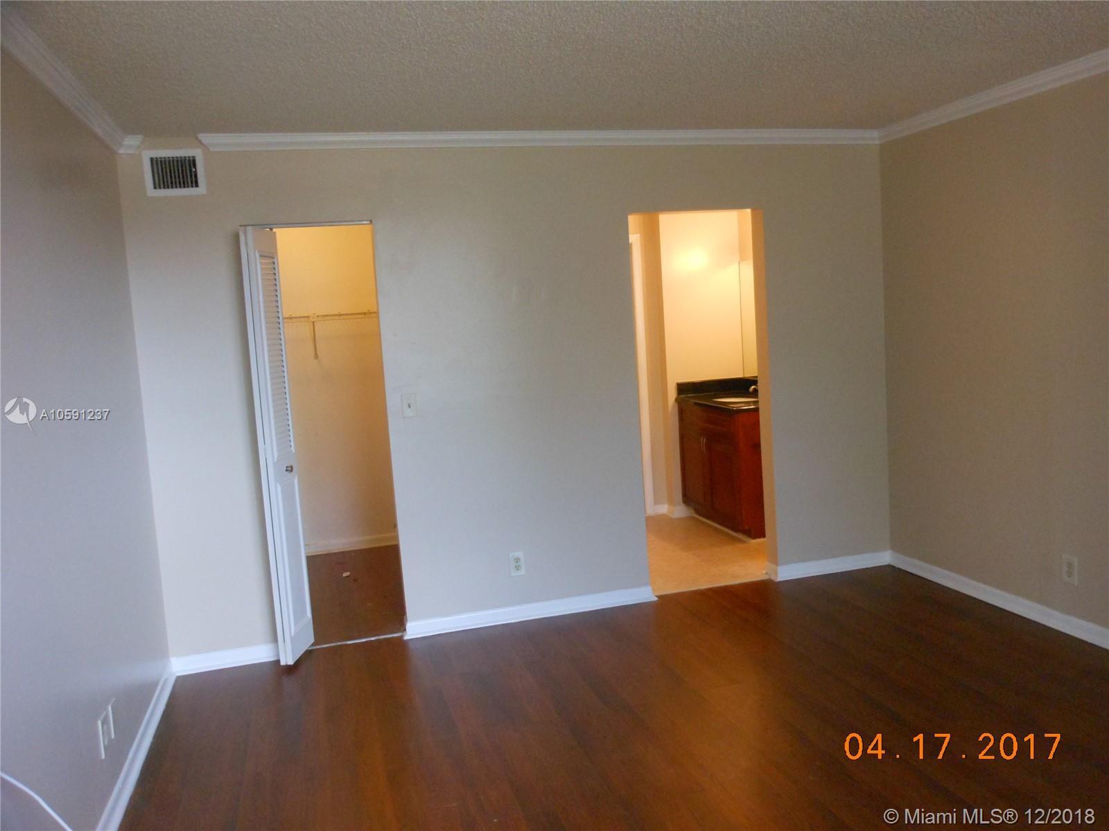 6475 W Oakland Park Blvd #110 Property Photo