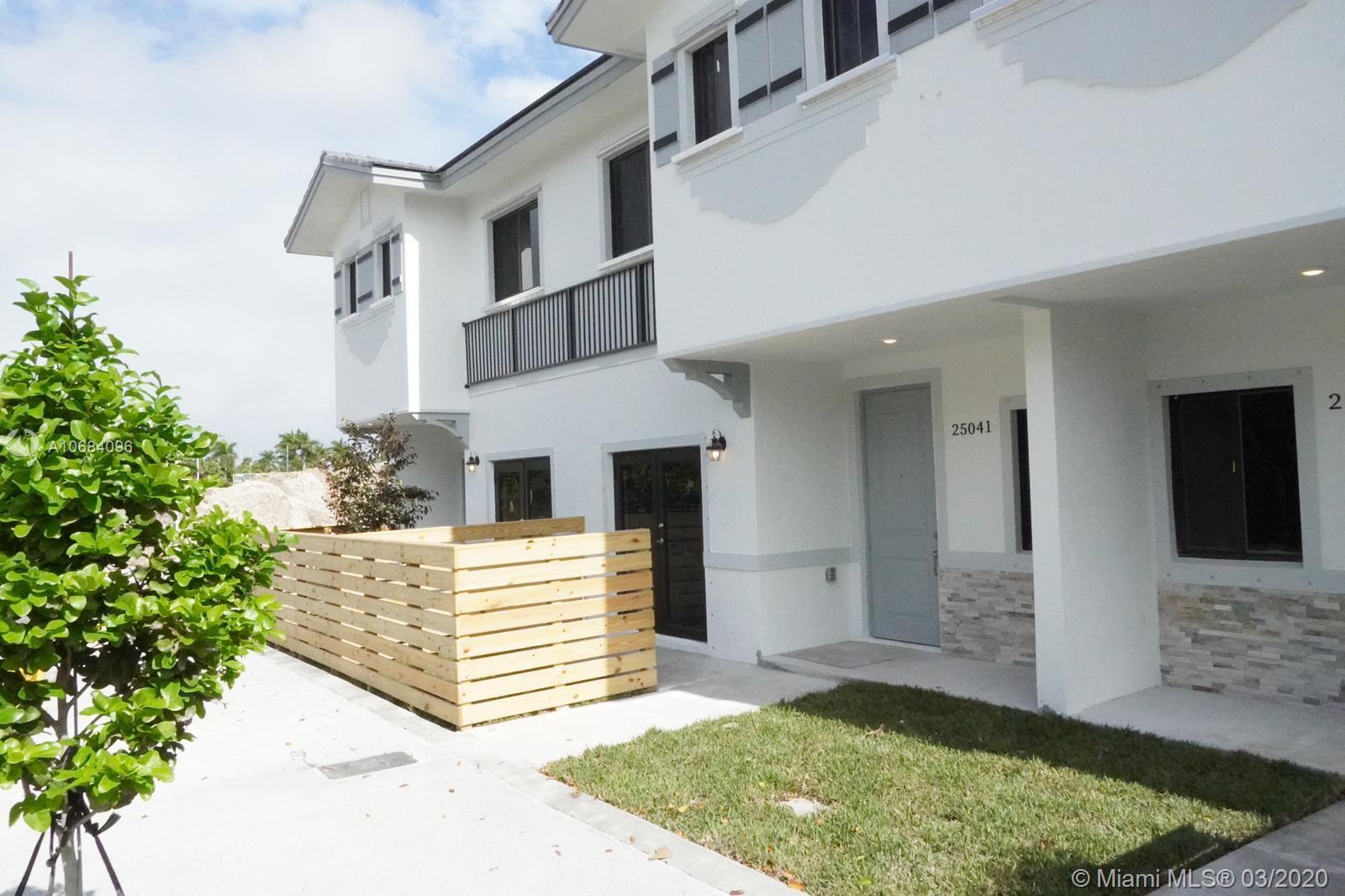 13307 SW 250 TE #306 Property Photo