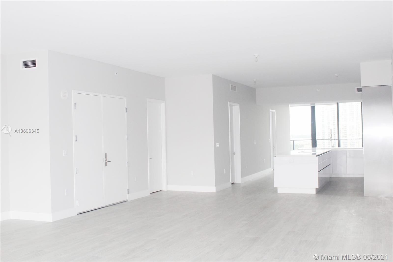 A10696345 Property Photo 1