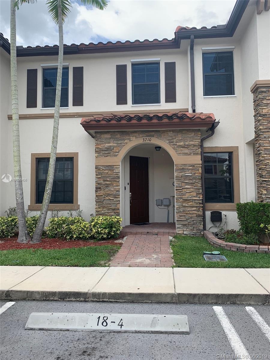 3210 SE 5th St Property Photo