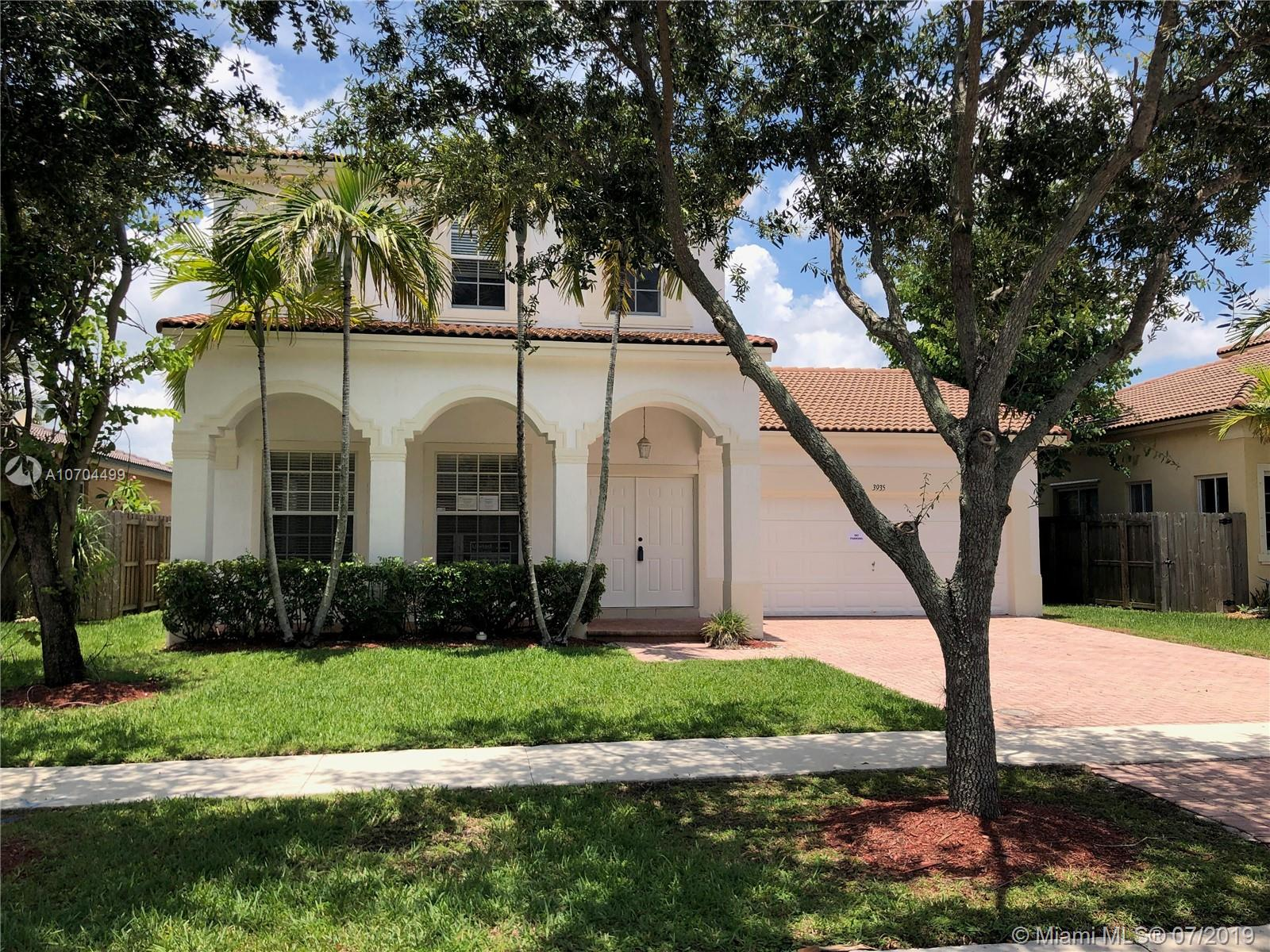 Floridian Bay Estates Sou Real Estate Listings Main Image