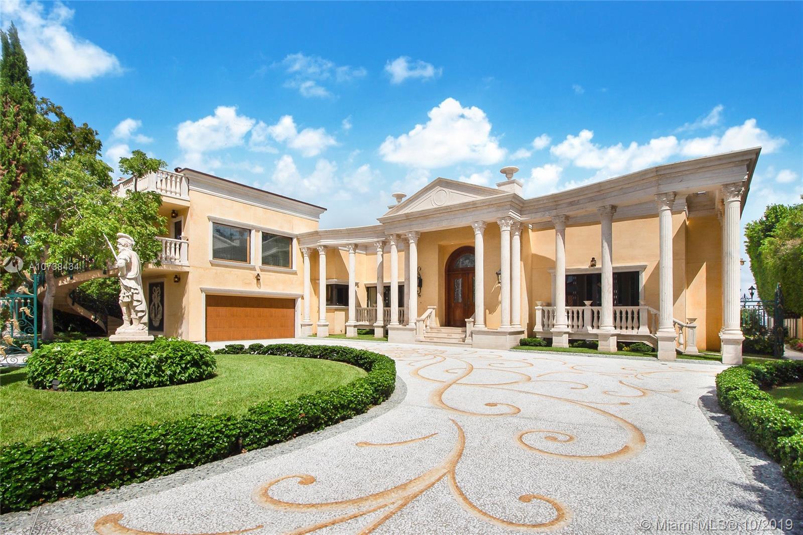 921 N Venetian Dr Property Photo
