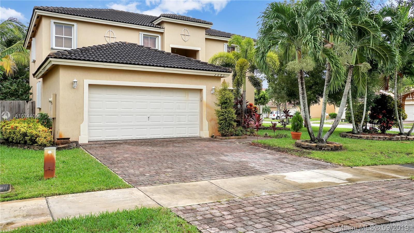 2085 SE 17th Ct Property Photo - Homestead, FL real estate listing