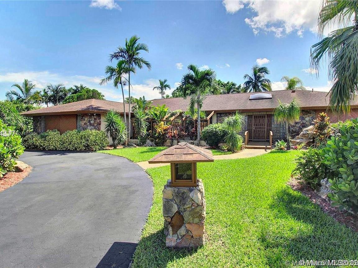 10100 E Calusa Club Dr, Miami, FL 33186 - Miami, FL real estate listing