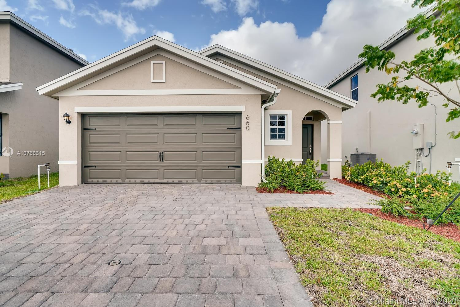 660 NE 5th Way Property Photo - Florida City, FL real estate listing