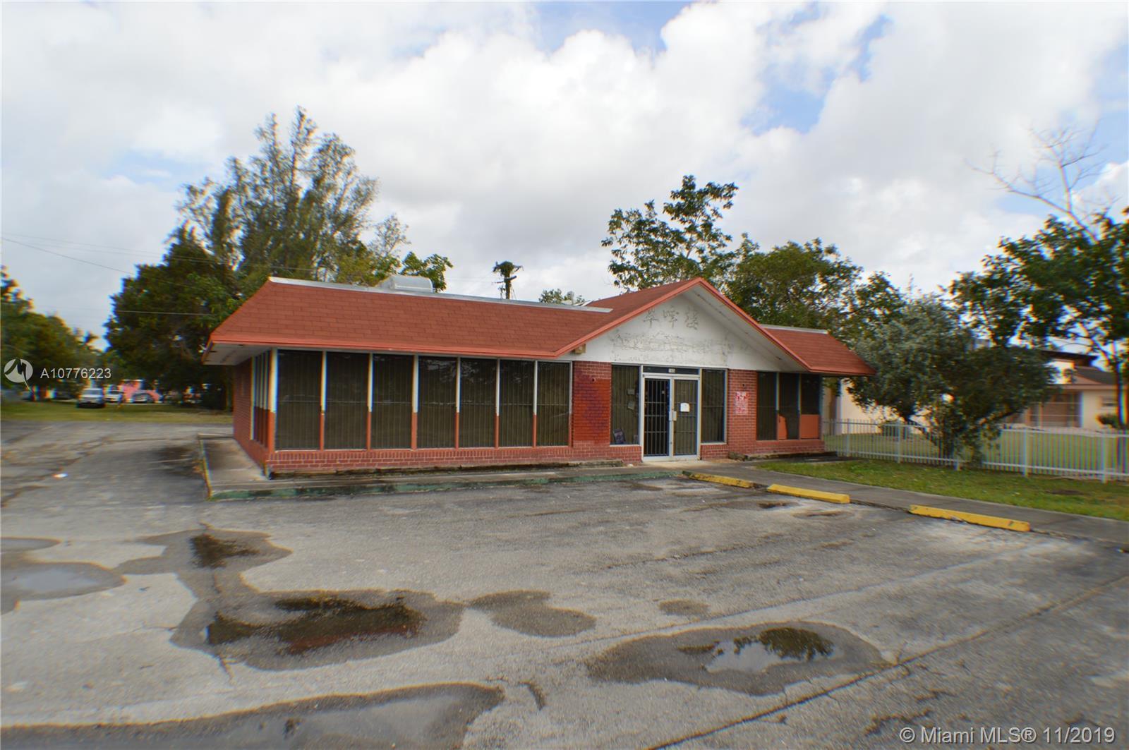 165 NE 8th St Property Photo