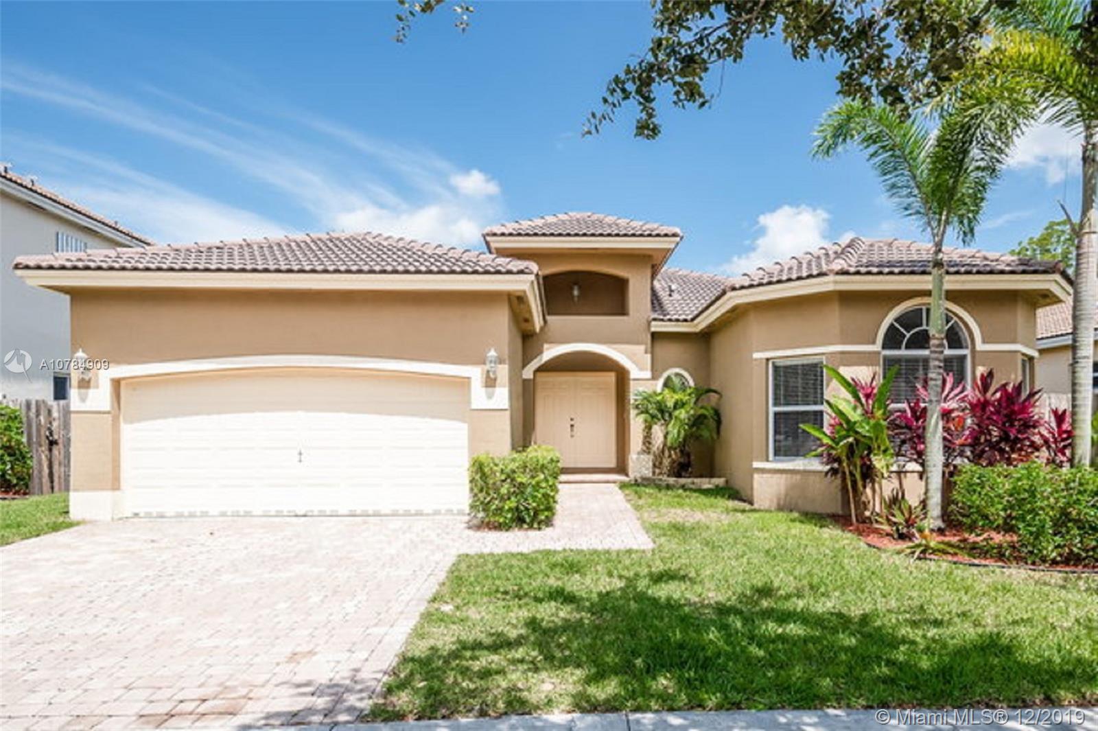 2221 SE 17th Ave Property Photo