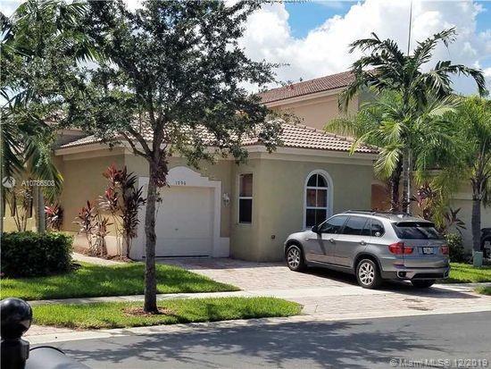 1096 NE 39th Ave Property Photo