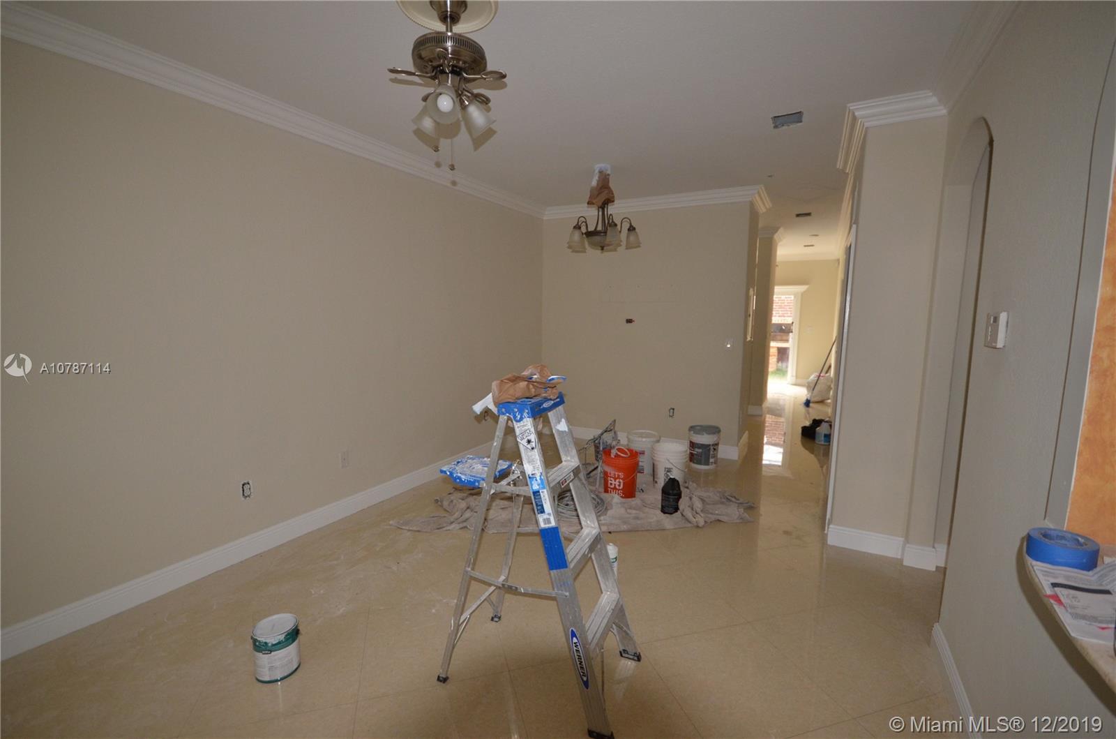 1660 SE 29th St #106 Property Photo