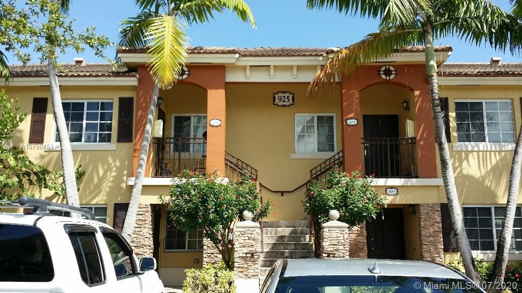 925 NE 34th Ave #202 Property Photo