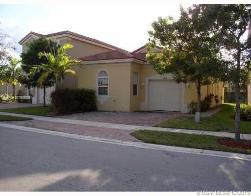 1056 NE 39th Ave Property Photo
