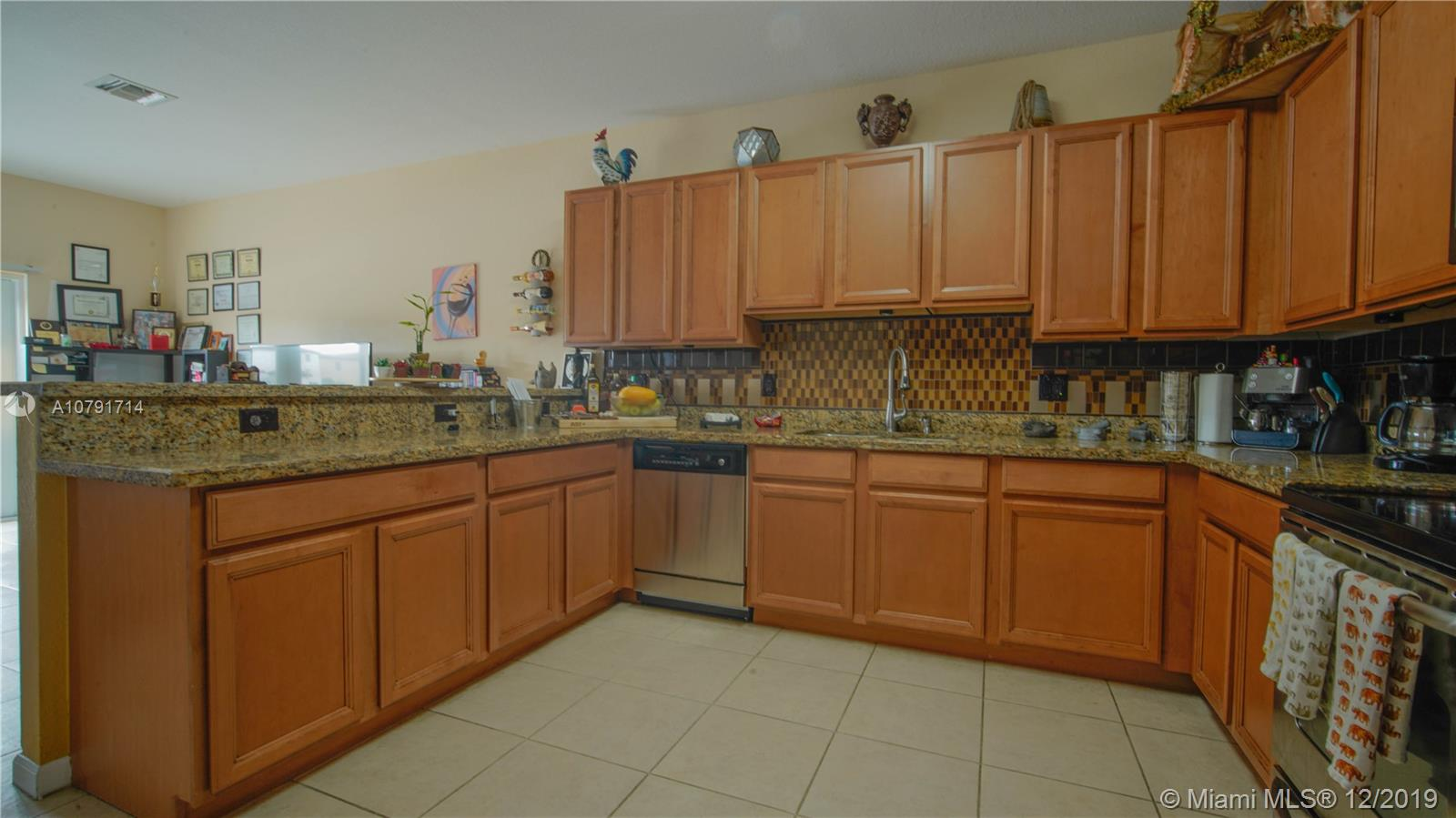 527 SE 31st Ave, Homestead, FL 33033 - Homestead, FL real estate listing