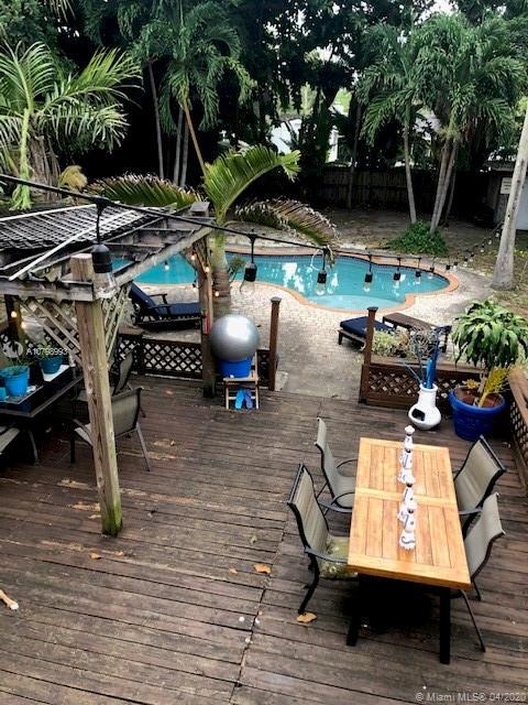 11402 NE 8th Ct Property Photo - Biscayne Park, FL real estate listing