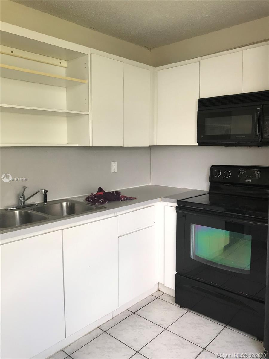 9431 Live Oak Pl #406 Property Photo