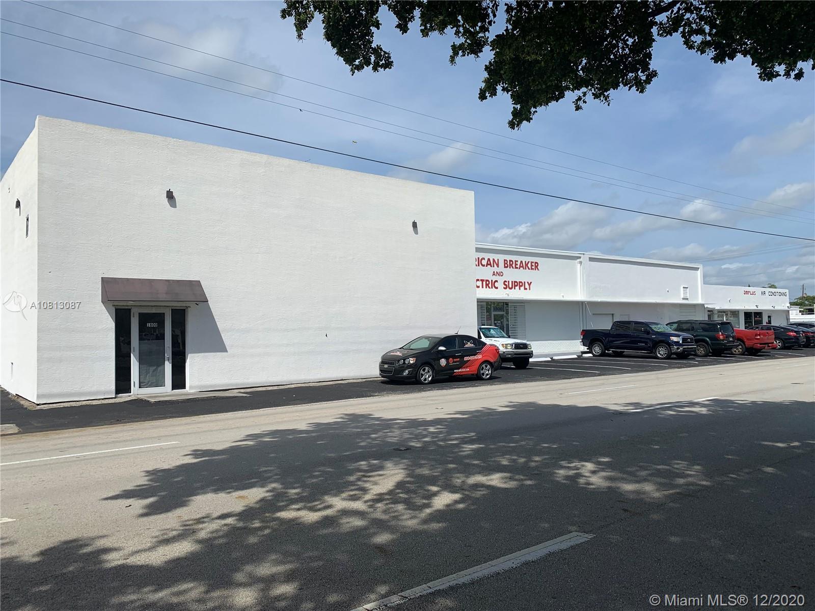 1800 N Dixie Hwy Property Photo