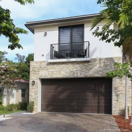 1102 NE 18th Ave Property Photo - Fort Lauderdale, FL real estate listing