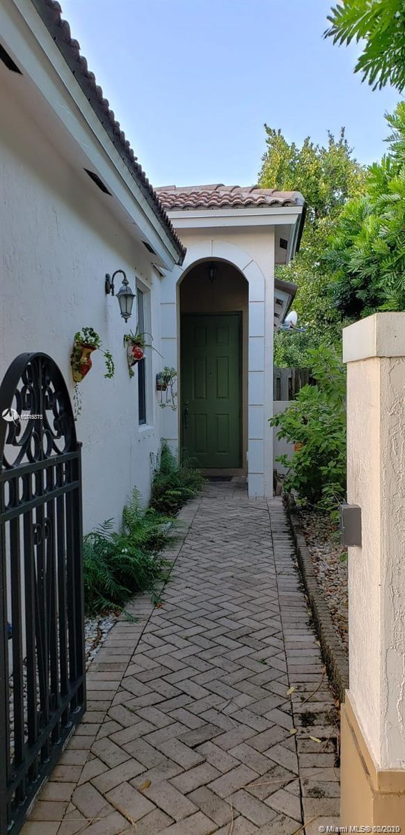 2262 NE 42nd Ave, Homestead, FL 33033 - Homestead, FL real estate listing
