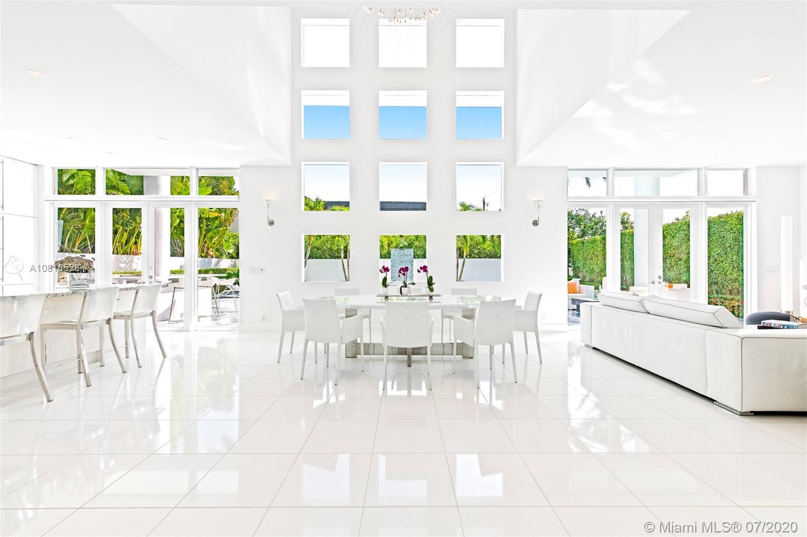 260 NE Mizner Blvd Property Photo - Boca Raton, FL real estate listing