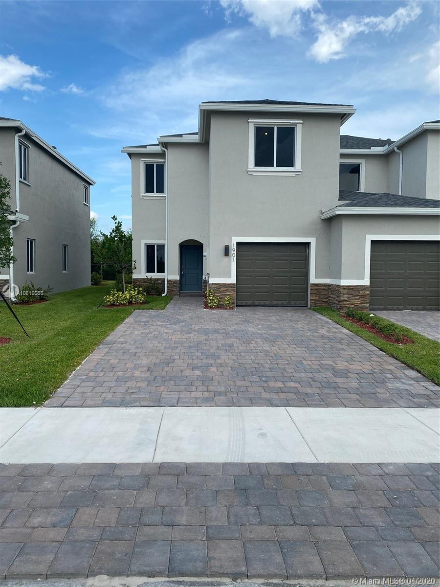 1901 SE 8th Pl Property Photo - Homestead, FL real estate listing