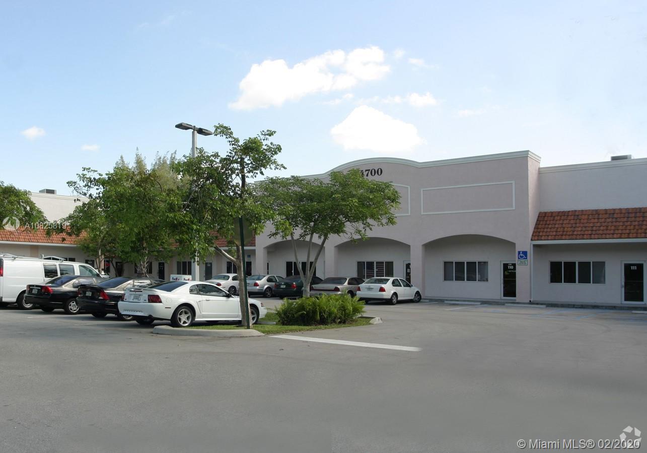 4700 W Prospect Rd Property Photo