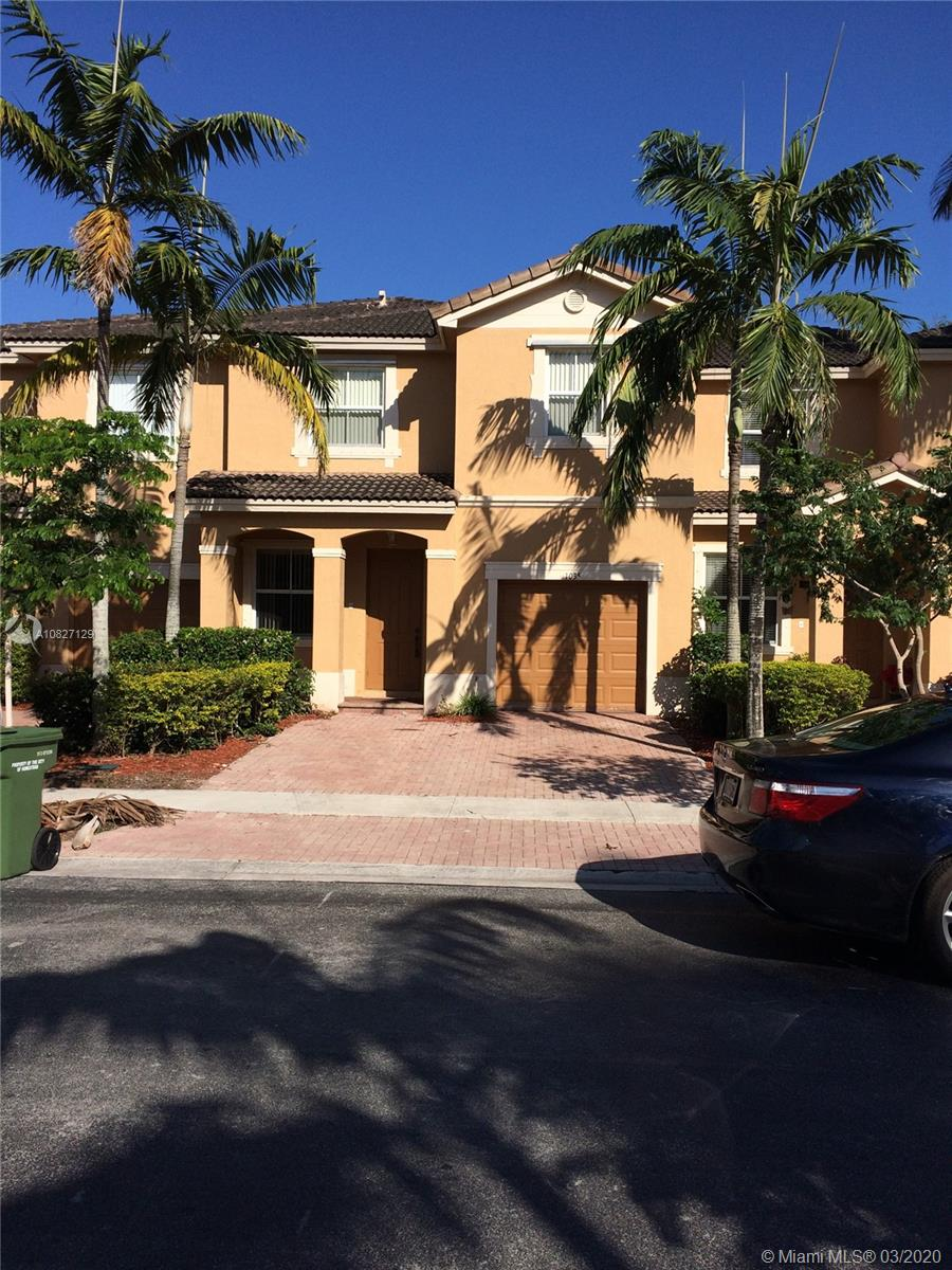 Floridian Isles South Real Estate Listings Main Image