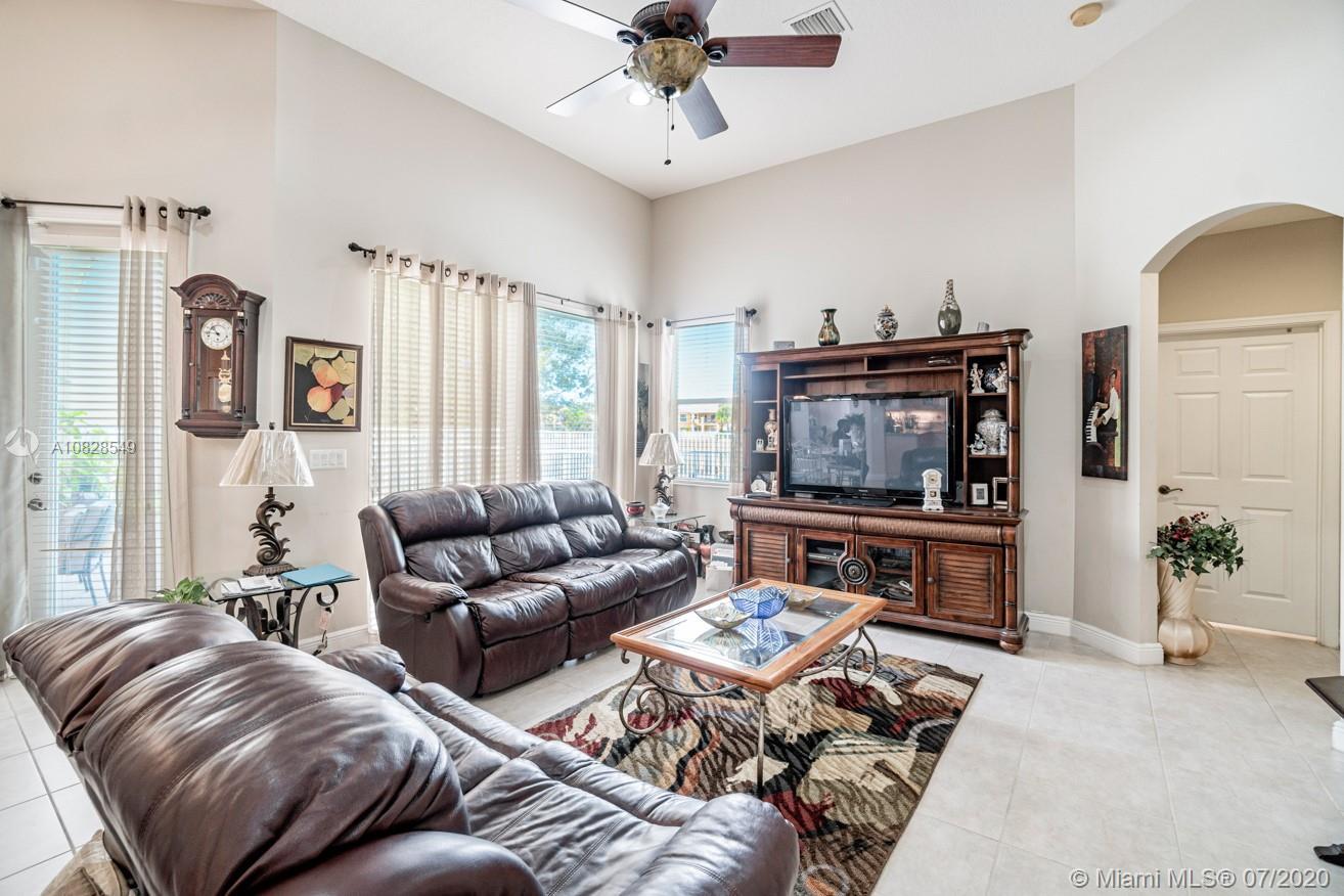 9933 Via Bernini, Lake Worth, FL 33467 - Lake Worth, FL real estate listing